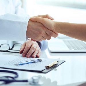 Engagements au centre de santé Paris Est - Respect mutuel des personnes, des spécialités exercées et des équipements.
