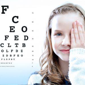 Ophtalmologie au centre de santé Paris Est - Évaluation de l'acuité visuelle